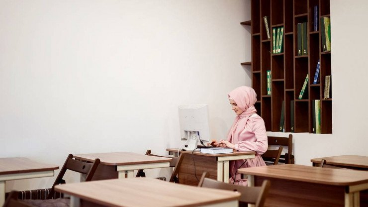 14 Reasons Make An Online Female Quran Tutor The Right Choice