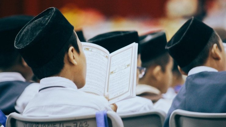 How to Find The Best Online Quran Tutor For You?